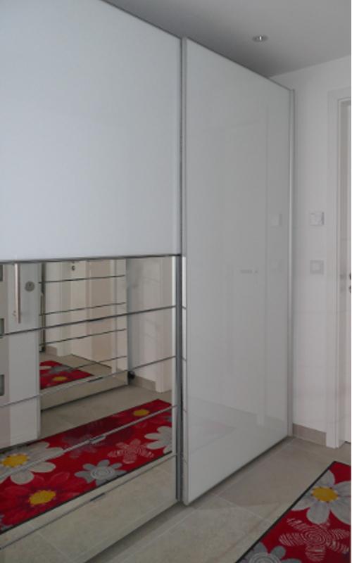 durchgangs garderobe viel stauraum und beste ordnung. Black Bedroom Furniture Sets. Home Design Ideas