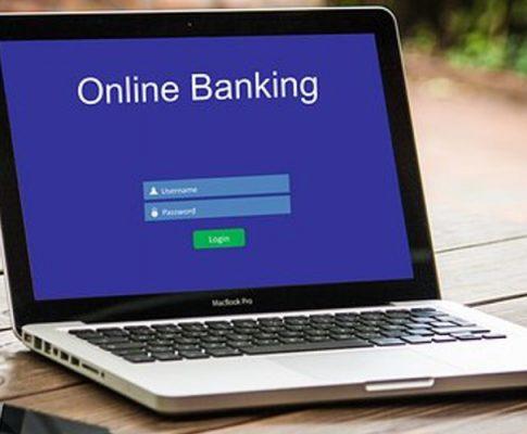 Onlinebanking und Sichtschutz-Rollos: alles easy!
